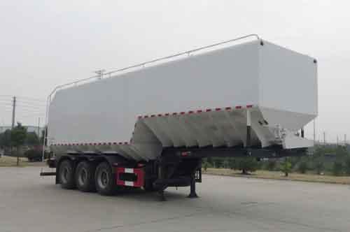 华通牌HCQ9402ZSLLM型散装饲料运输半挂车